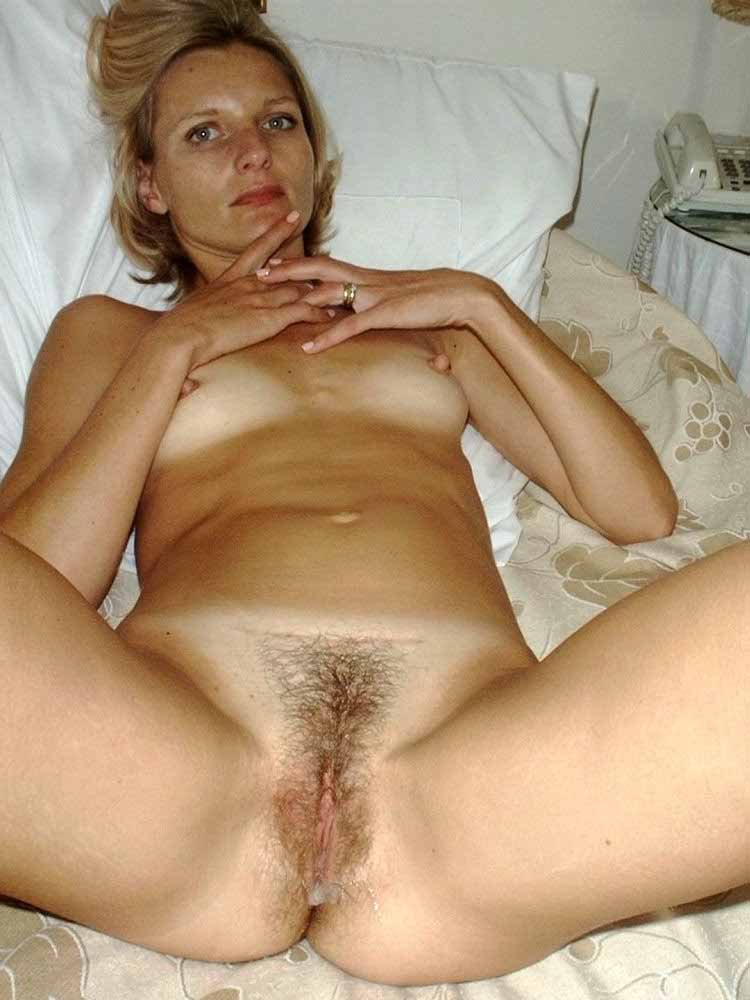 My wife loves to eat cum Swingers house parties kansas city