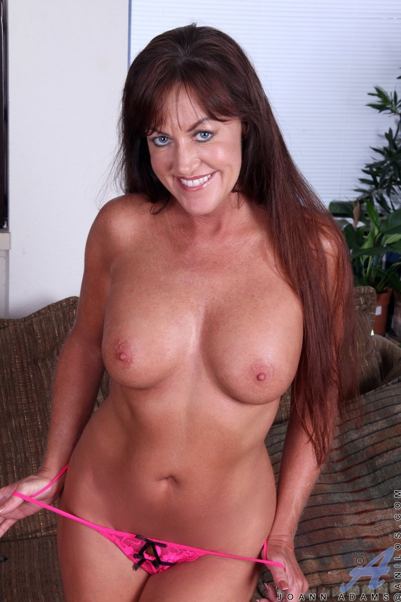 Mature natural saggy tits #15