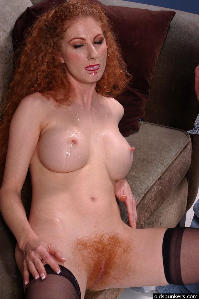 Red head milf wife nude