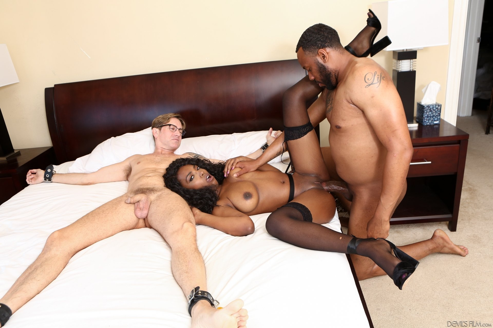 Amateur wife tit torture strong black porn