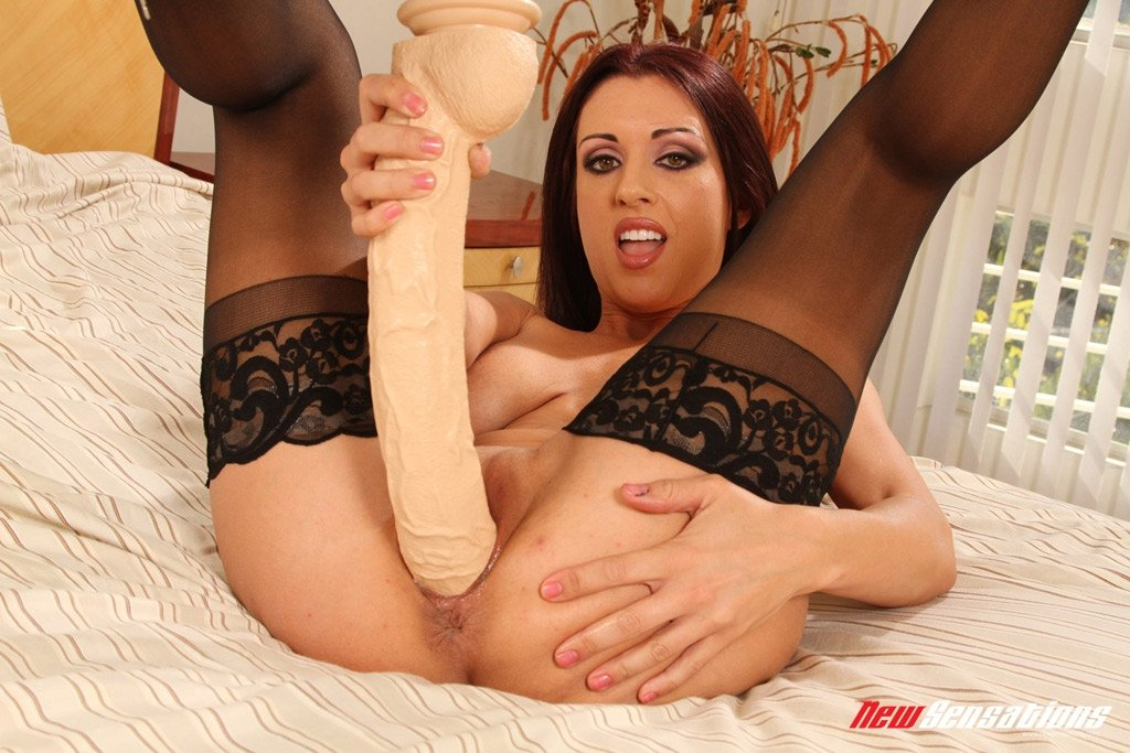 latina gf handjob reality kings julie cash
