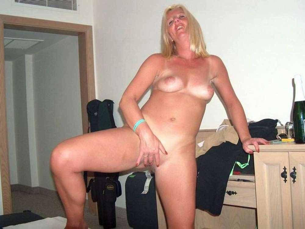 matures giving blow jobs add photo