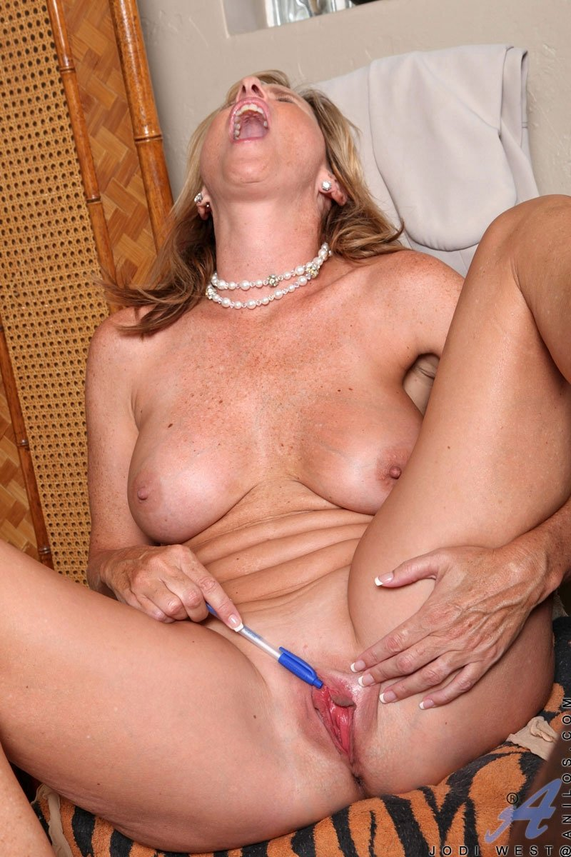 Mature wife sharing sex #16