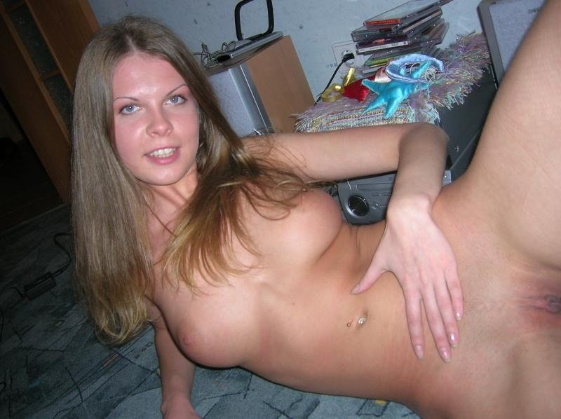 Naked blonde wifes