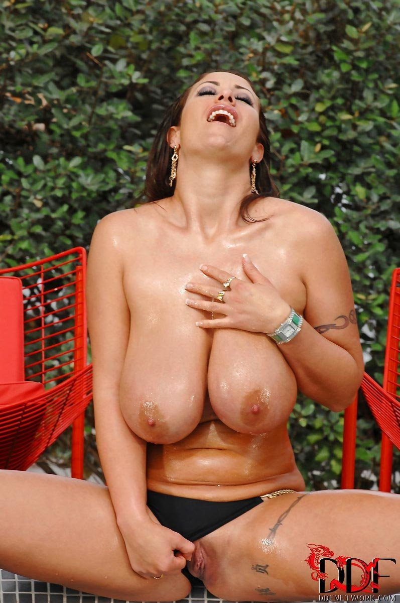 Mukinos    reccomended sofia rose big tits n tail