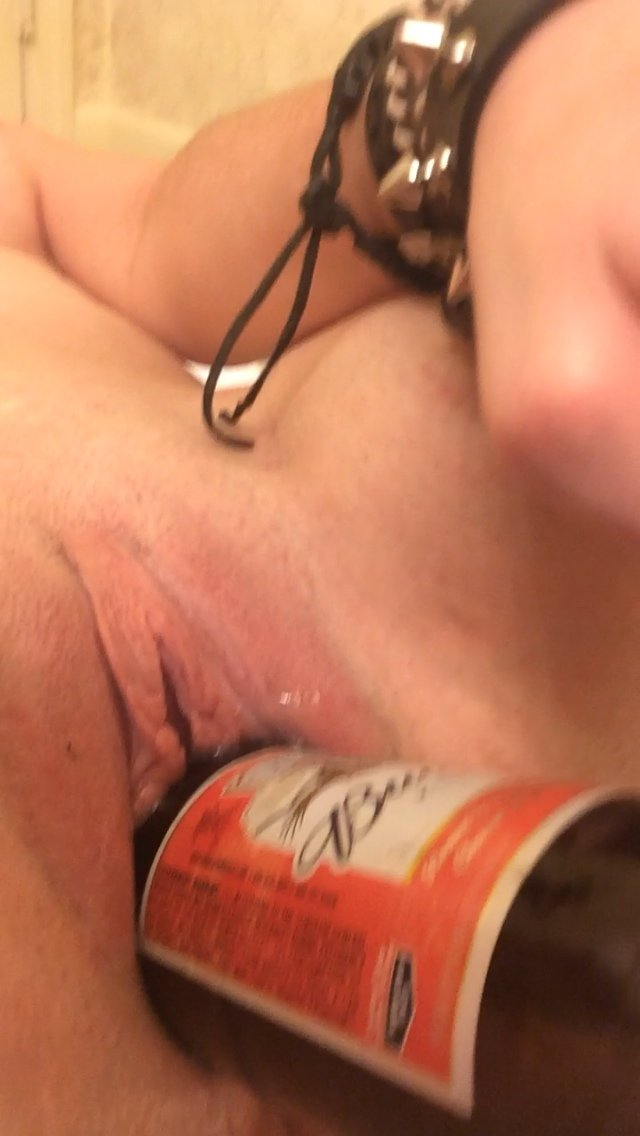 Hotwife swinger party Vida balun fucking videoundefined Mature wife spanking blowjob