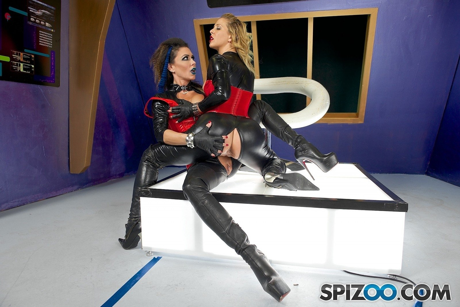 Grozahn    reccomended hollywood movie lesbian sex video