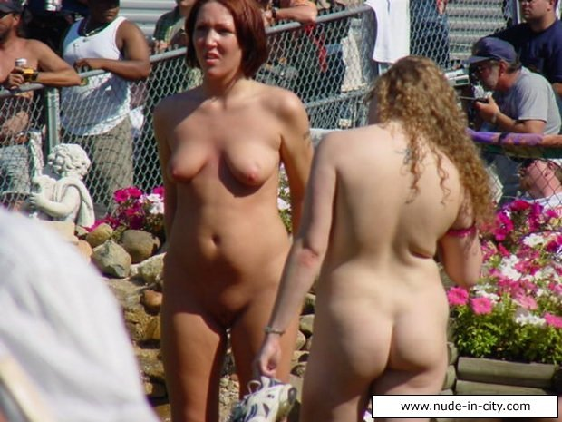 amature naked pictures sexy perfect breasts