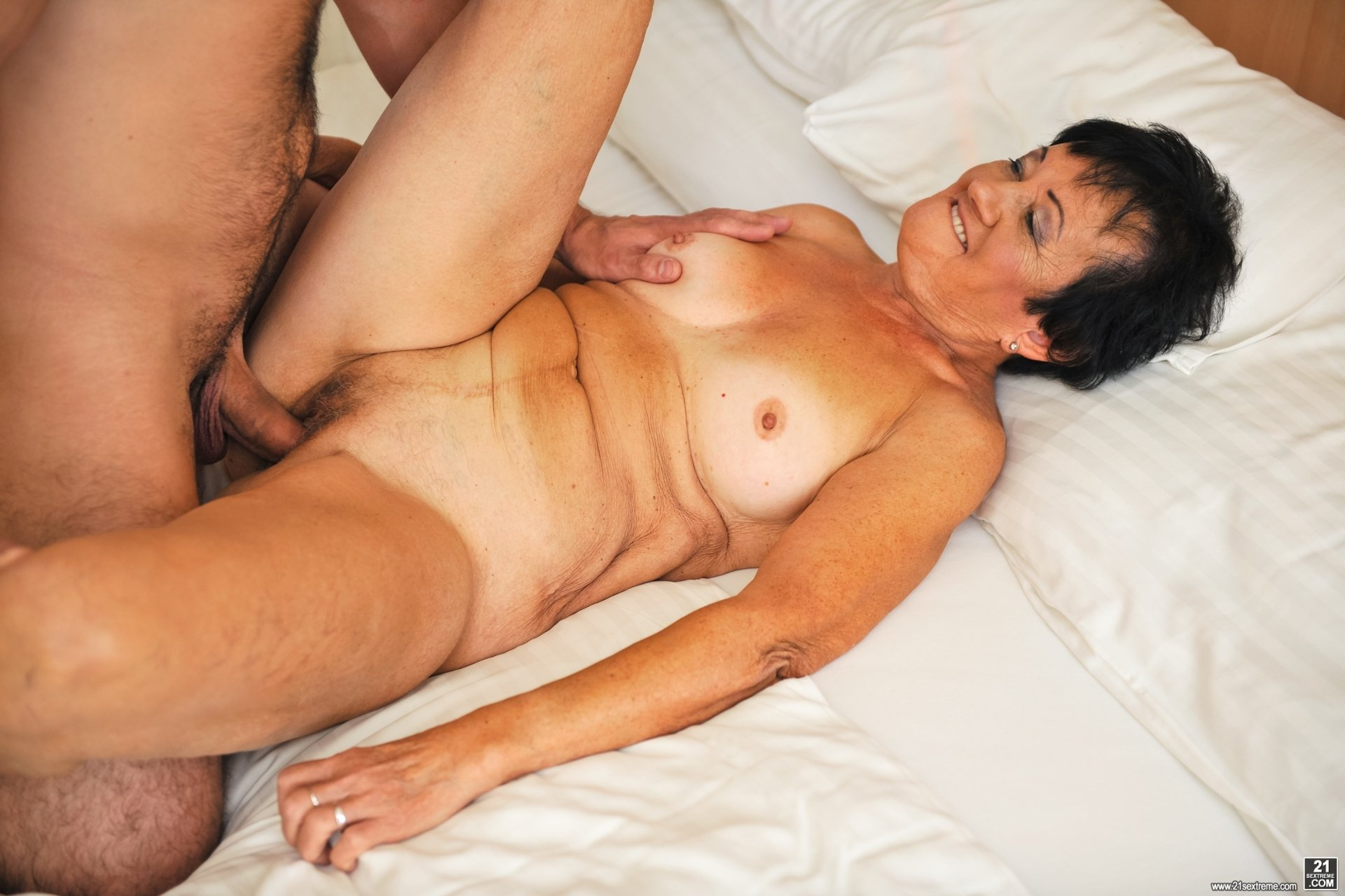 beautiful mature blowjob