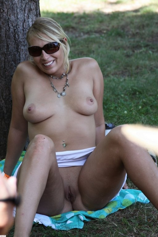 older nude white women