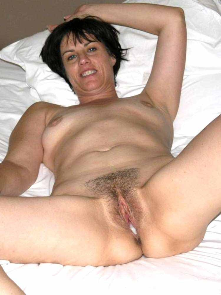 Amateury milf group sex