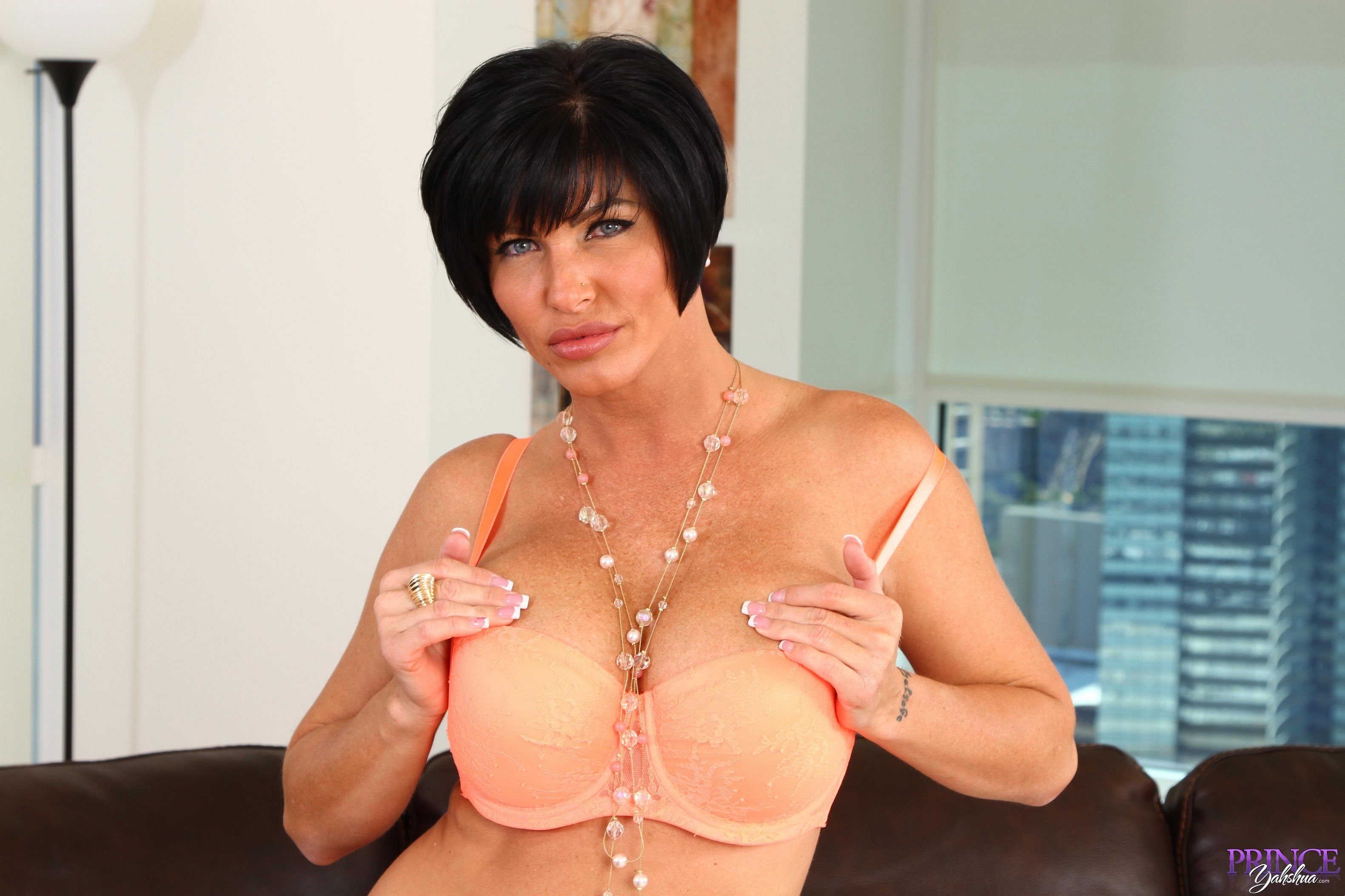 Fauhn    reccomended ultra hd milf porn
