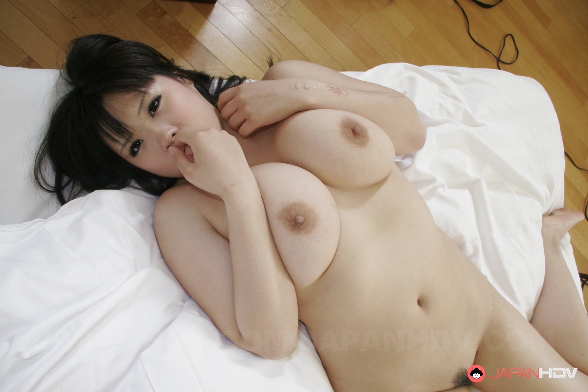 Japanese wife shared 010 Lesbian amatures video