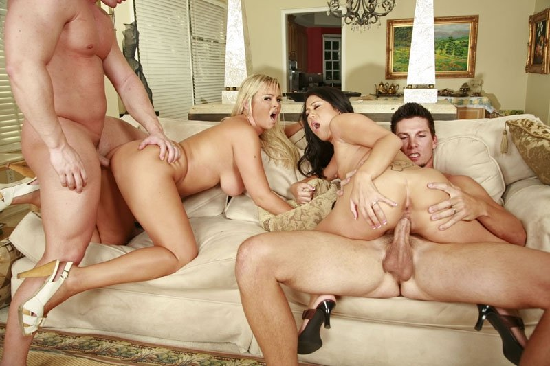 Hot wife goes to massage parlor
