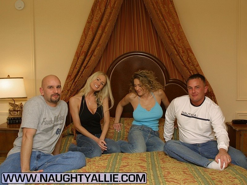 Swinger Couples Swap Wives