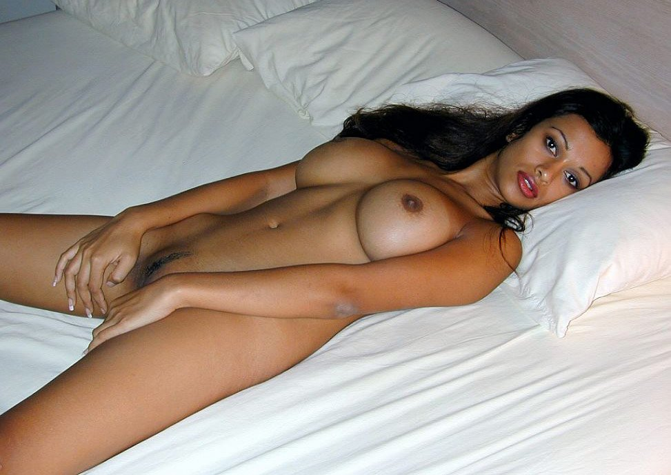 indian slim model Nude