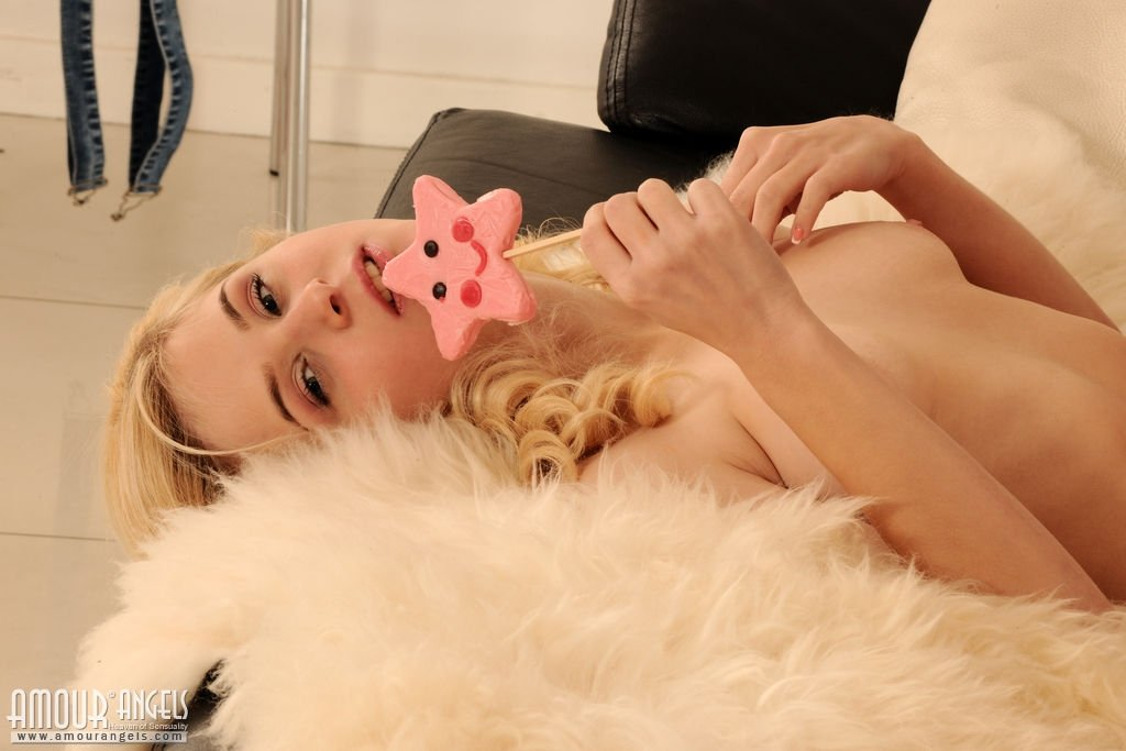 www.CamGirlsWithBigBoobs.com | What a beautiful girl nude bathing live for you authoritative answer