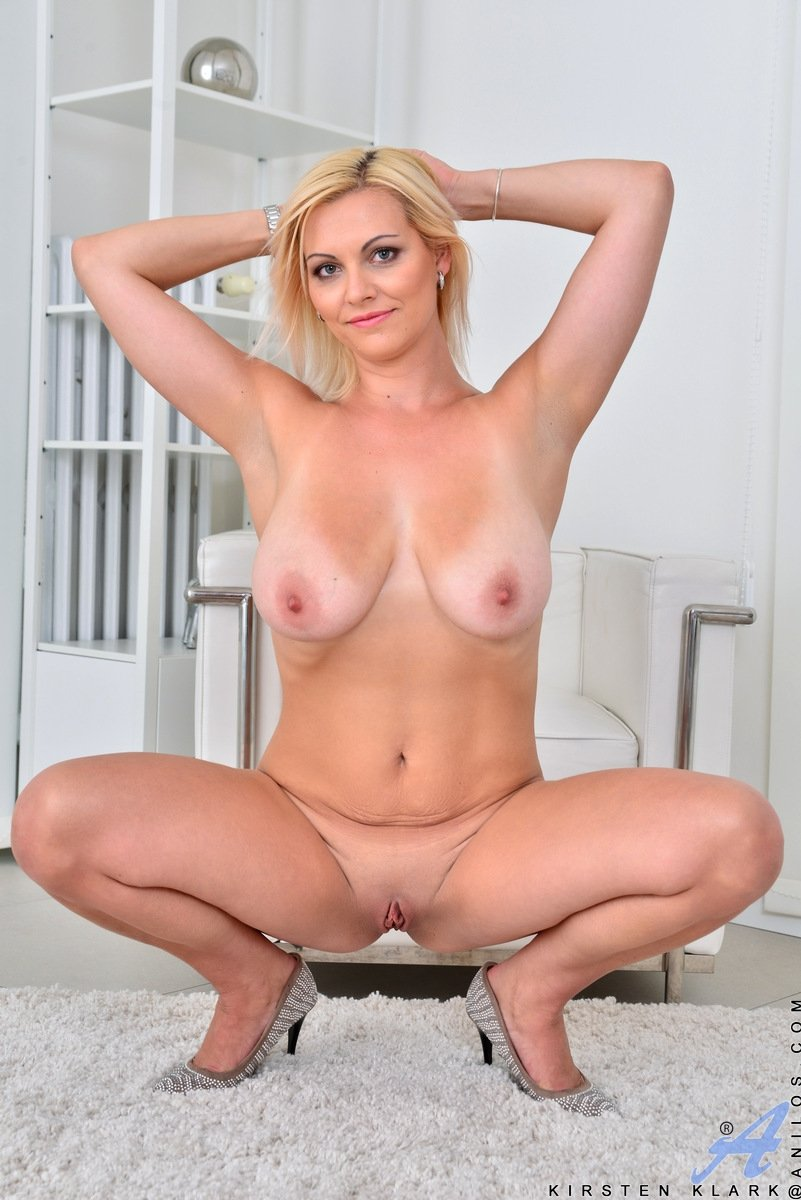 rich horny milf add photo
