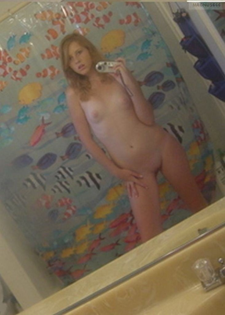 Homemade latin couple invite friends naked teen solo video