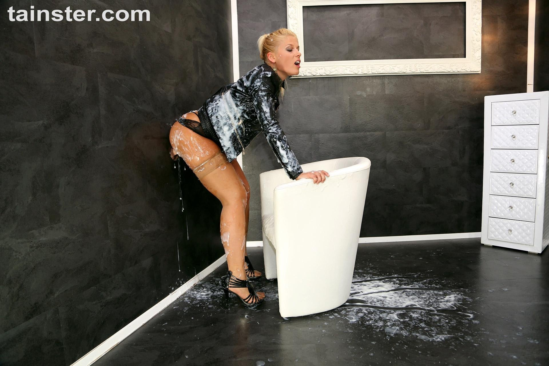 Upskirt no panties spy Submitted amateur young porn