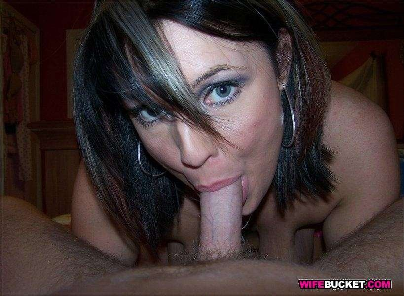 mature housewife masturbating
