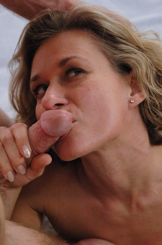 petite horny milf there
