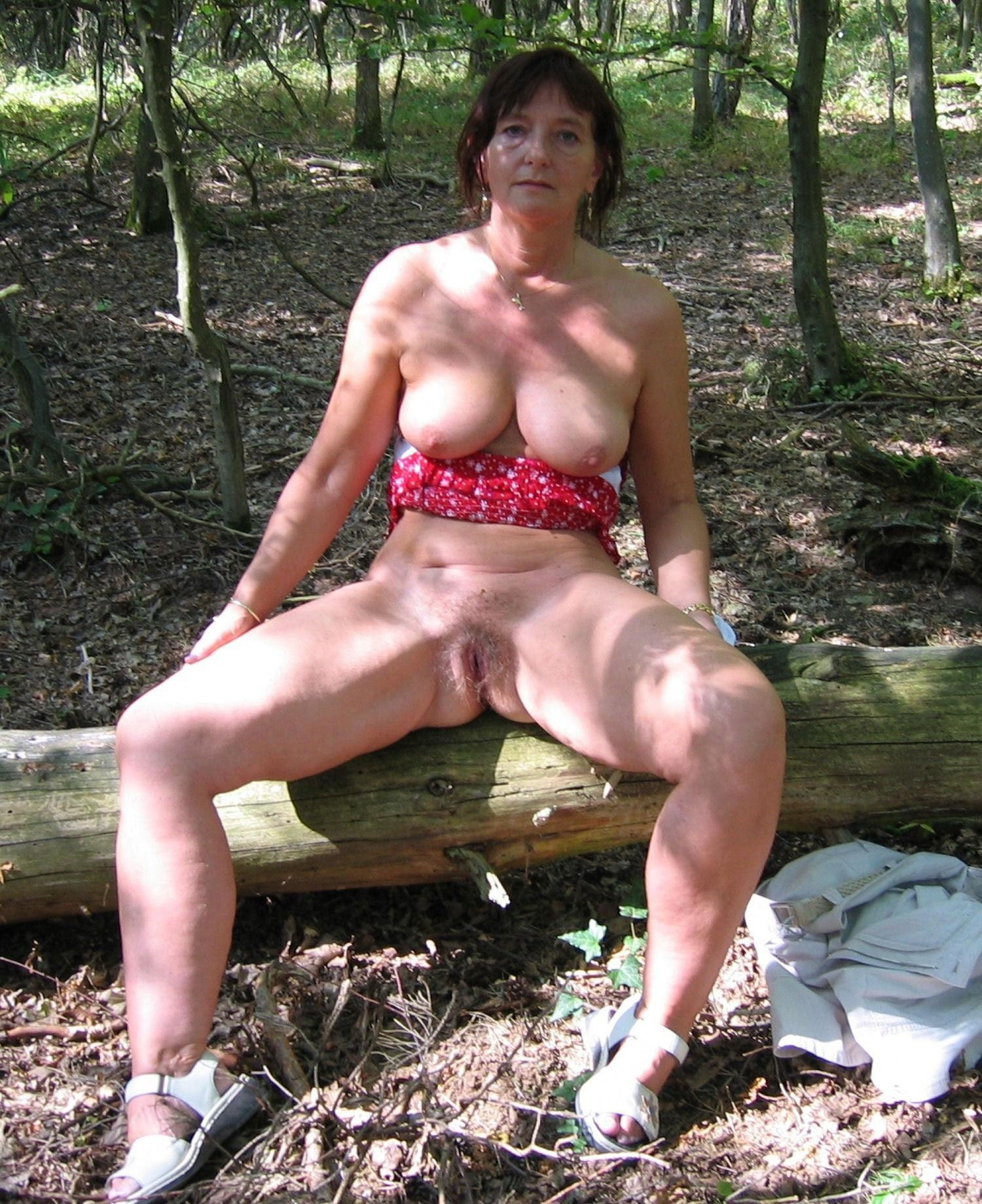 Showing xxx images for granny outdoor xxx