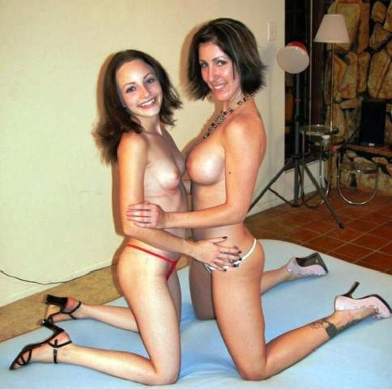 mom-and-girl-video-galleries