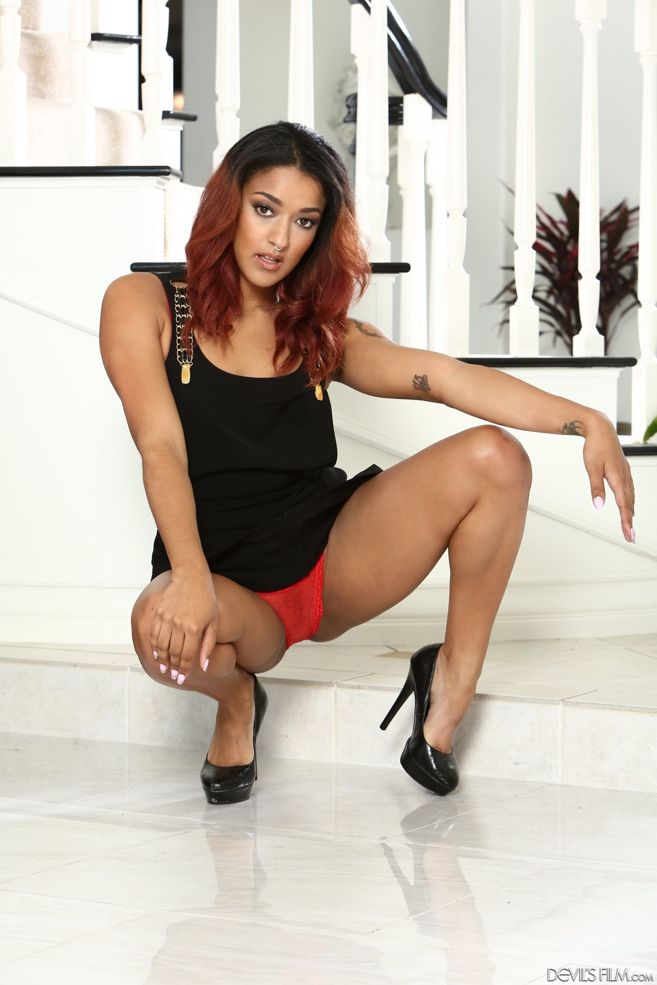 Mikasida    reccomended redhead swinger wife