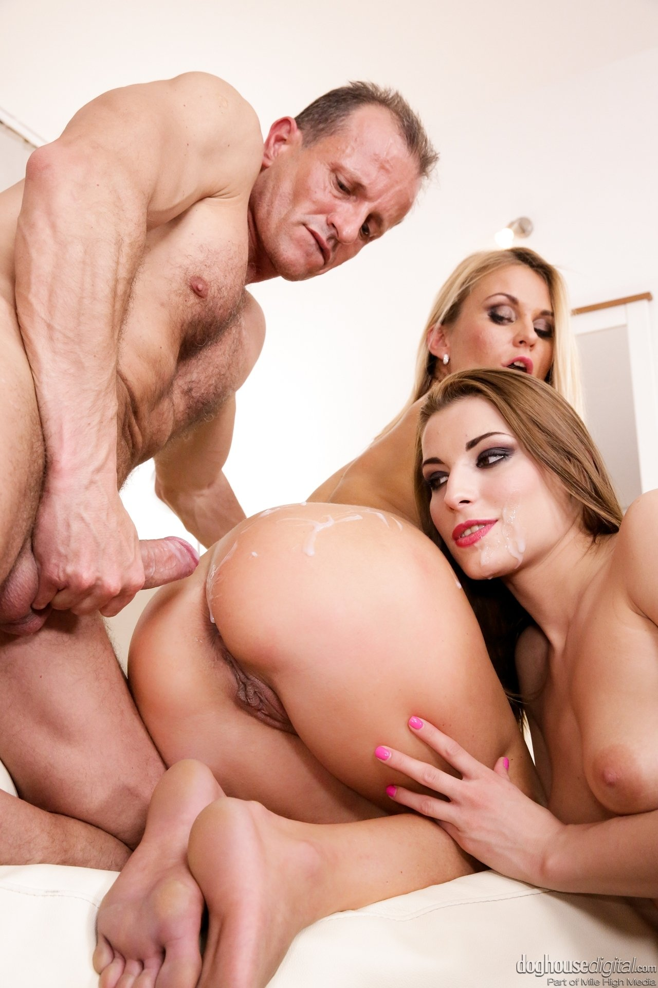 Nudist family picture movie