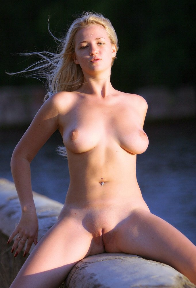 amateur mature wives naked