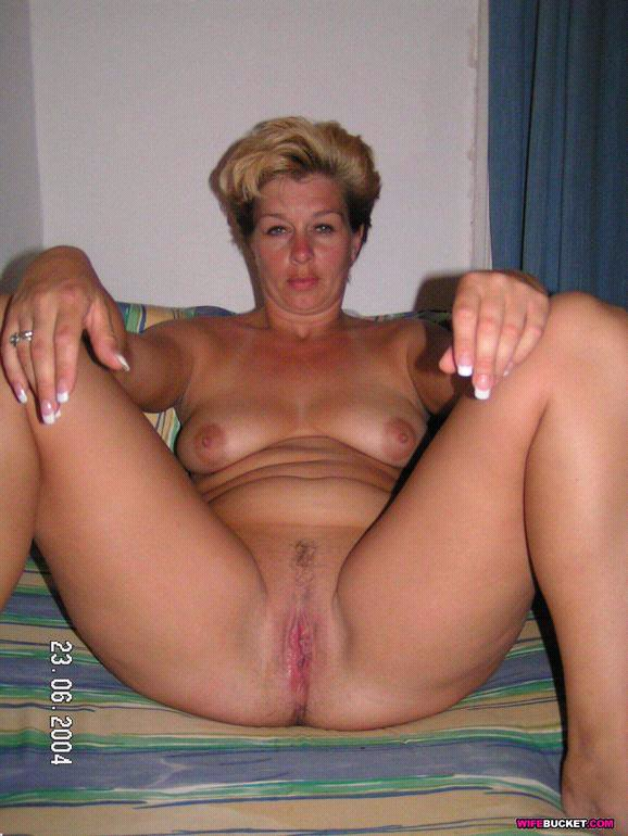 hd nylon milf