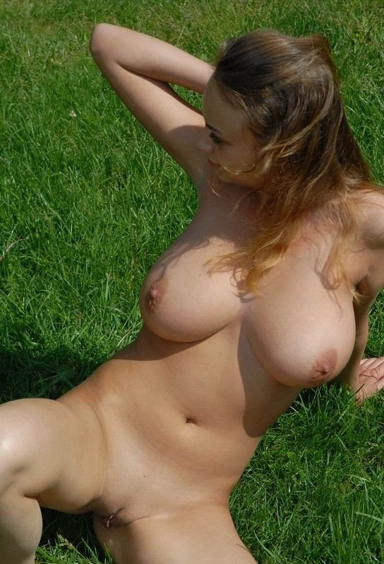 moms showing their tits