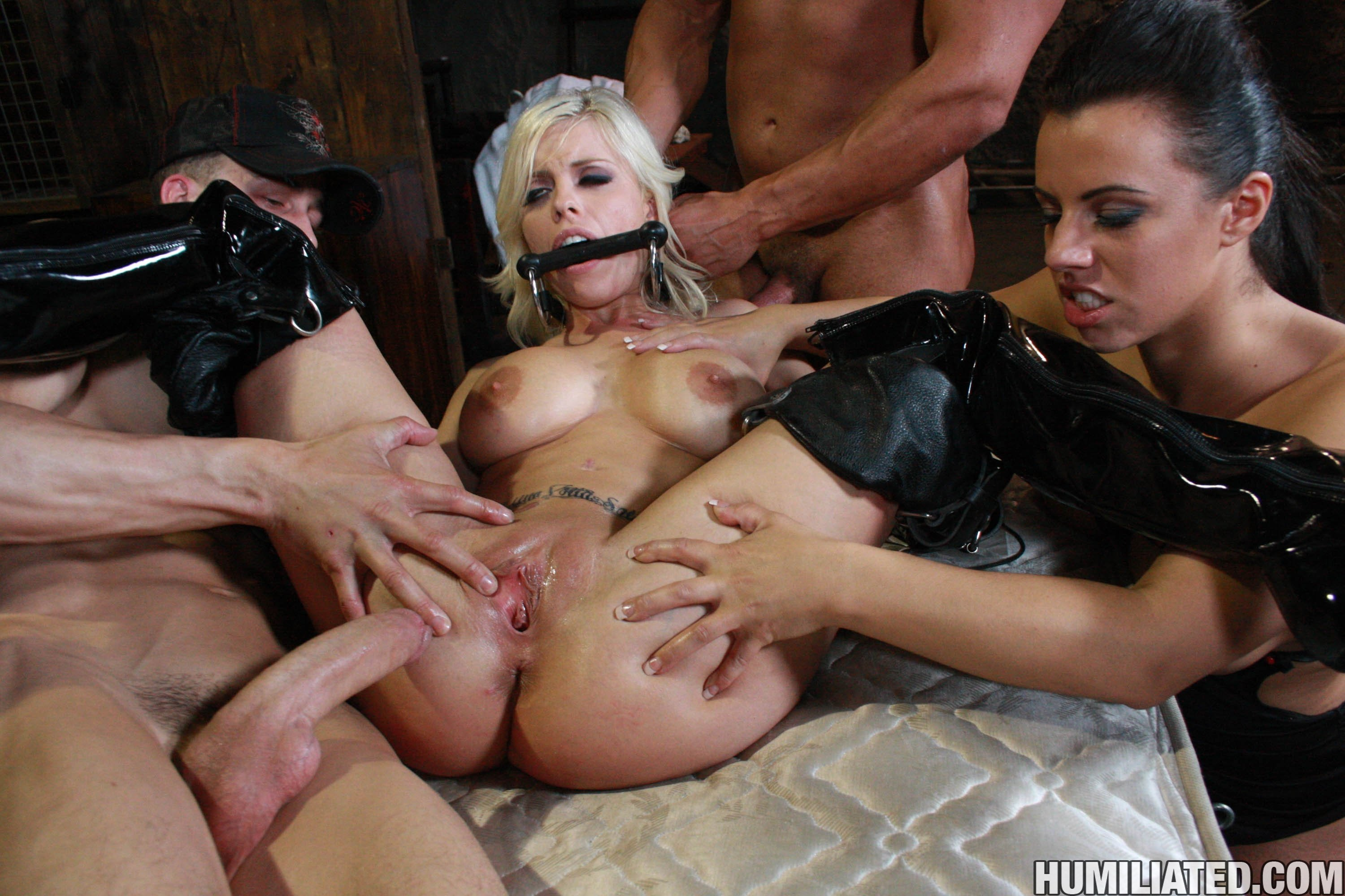 Hardcore group latex sex