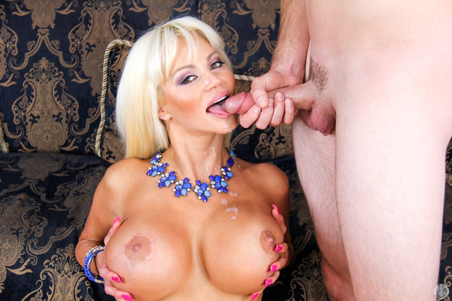 Strong mout Hot wife sxe xxx red japine my big dildo