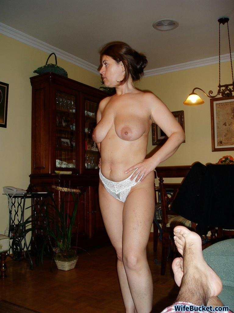 sexy mature wife pictures
