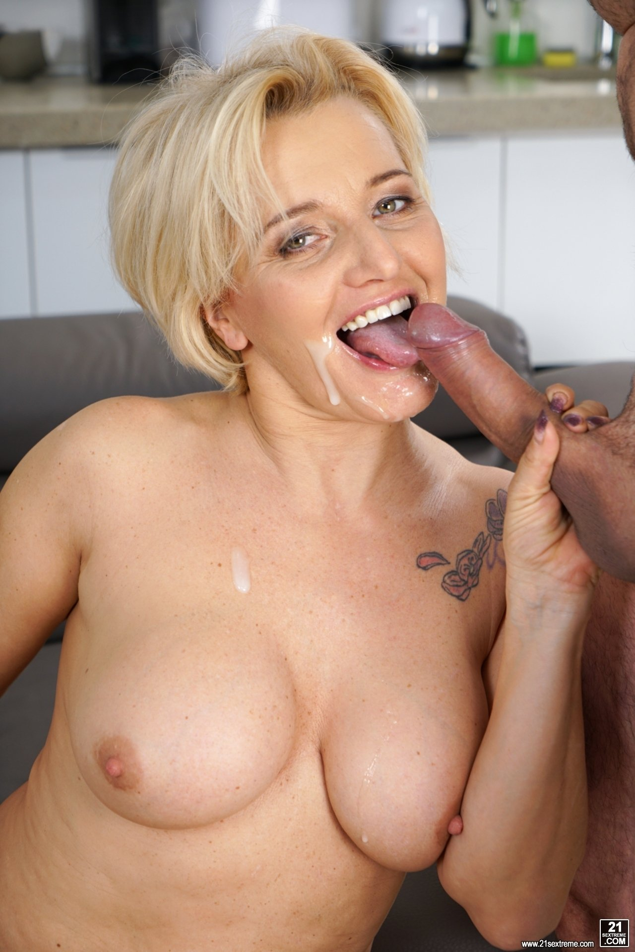 Black mature older porn woman