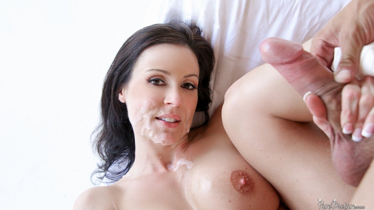 Sexy facial milf girl