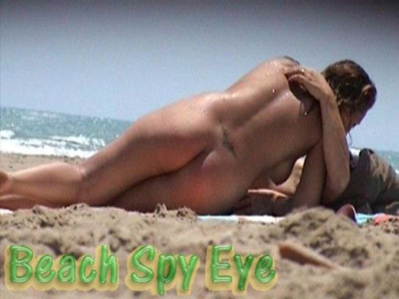 Crazy beach babetures, sexy tanned couple fycking missionary