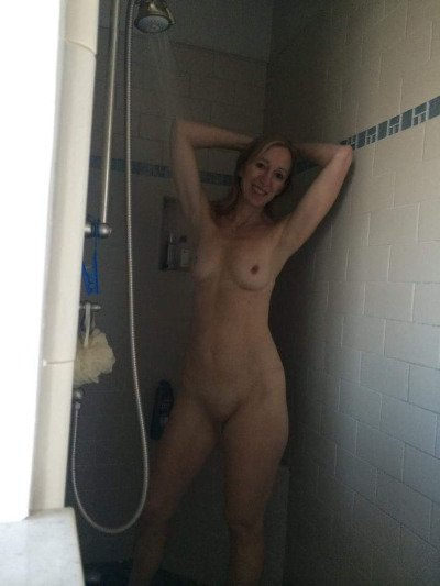 beautiful housewife videos there