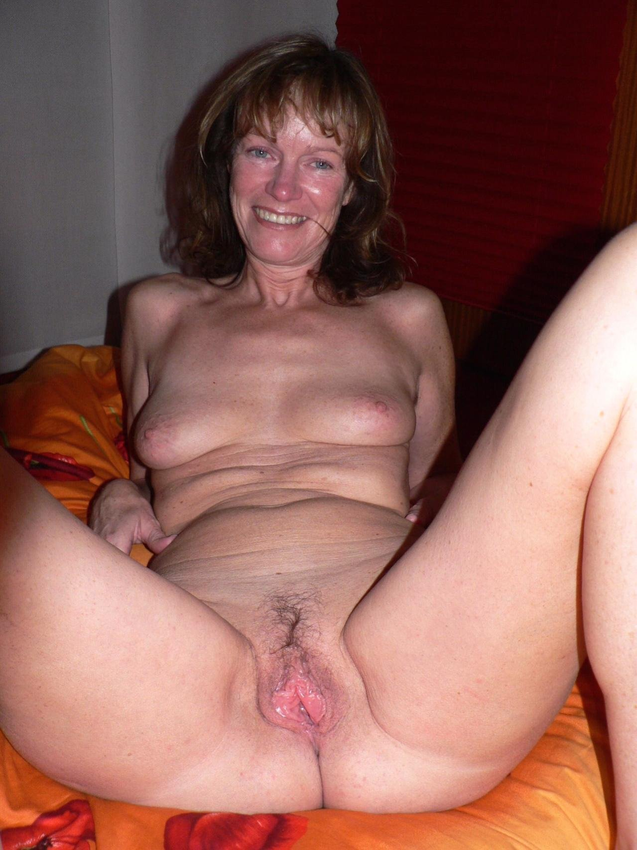 Amater wife threesome #1
