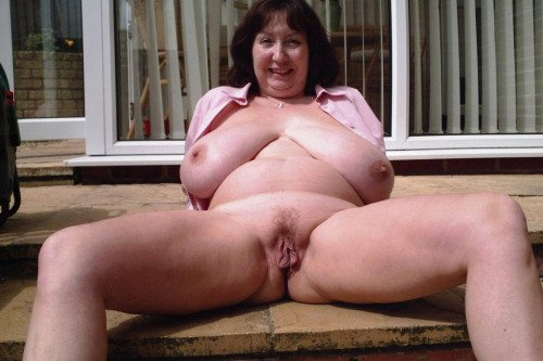 Nude mature women over 0 Cameroon fucked in converse