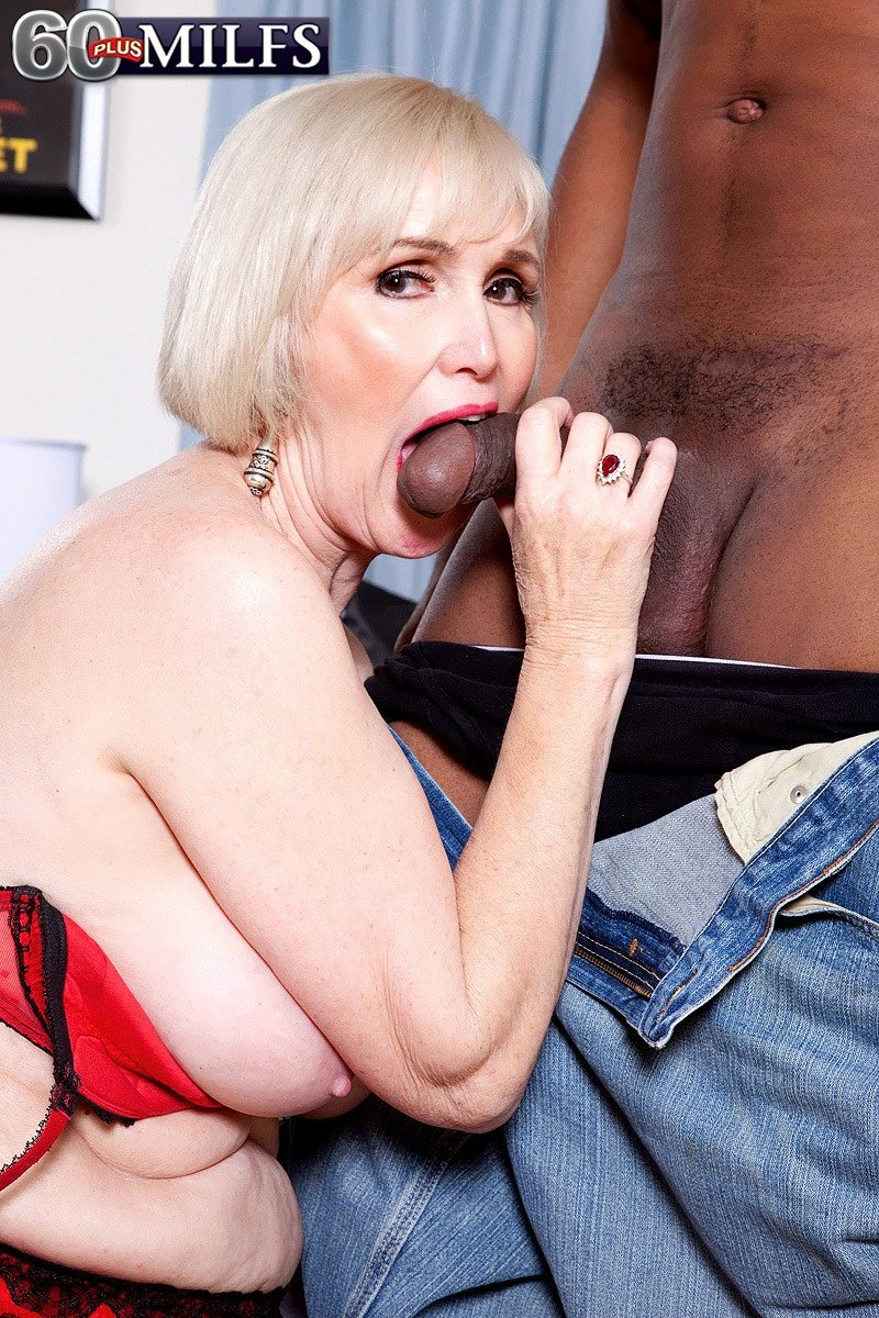 A stranger fuckedmy wife in the ass for the first tim mature old granny sex