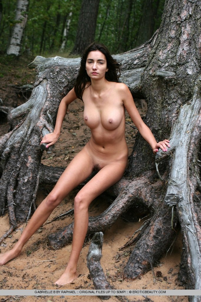 Naked girlfriend at the beach pics