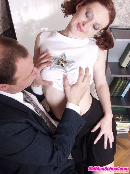 Fisting hairy pussy girlfriend