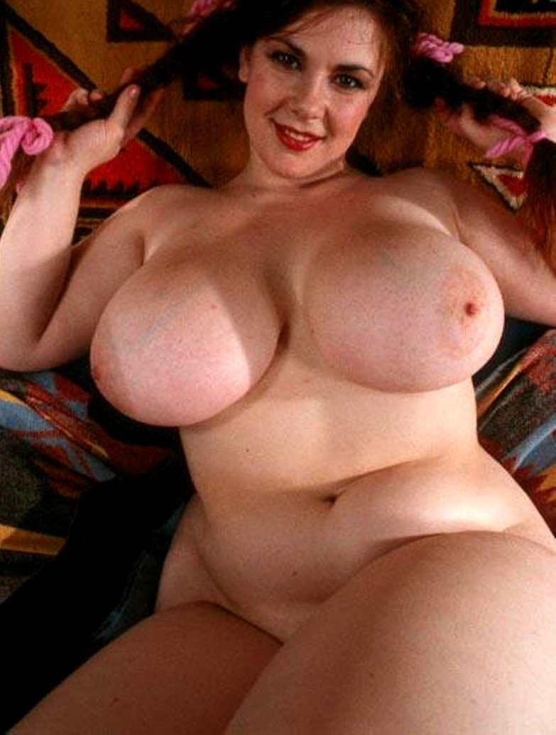 Hot plump women with spread pussy