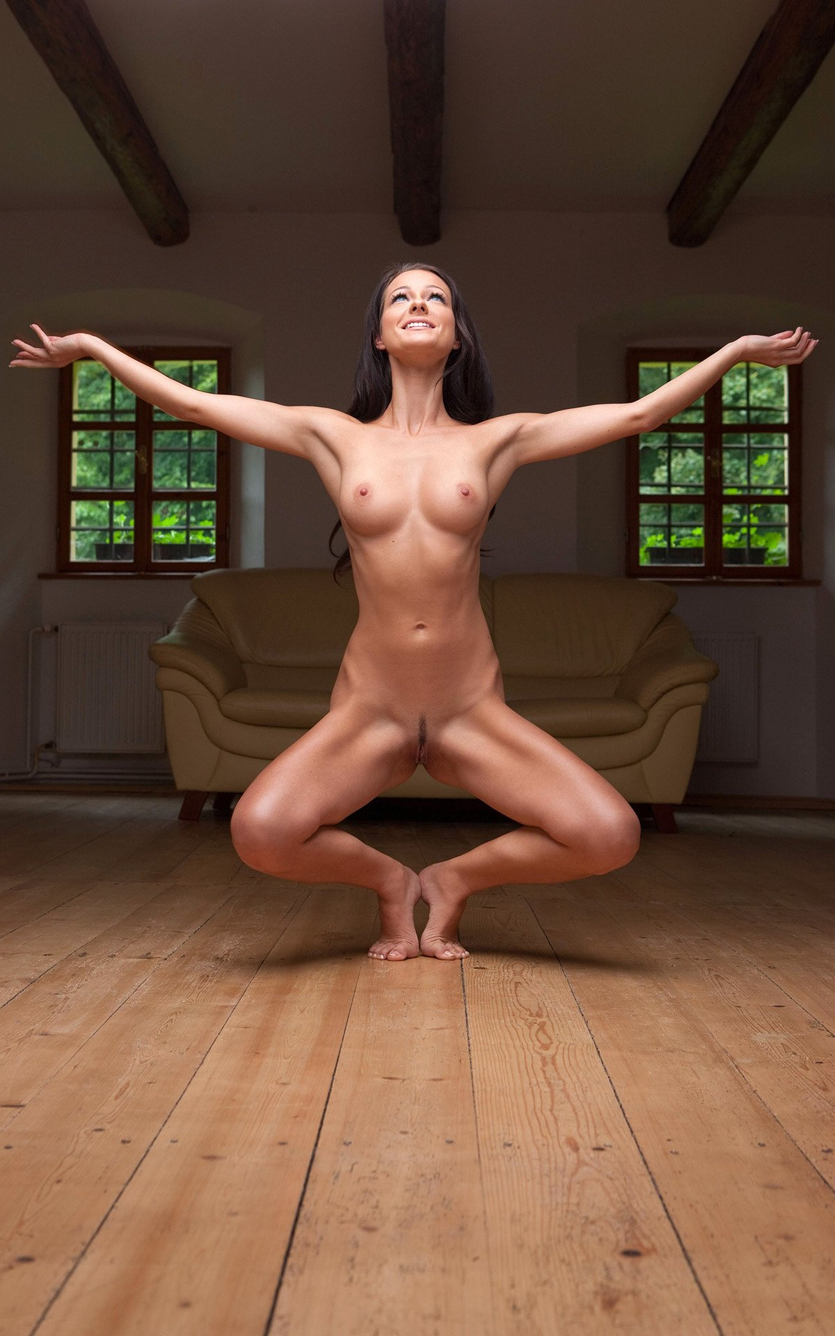 Mexican woman doing hot nude yoga — pic 8