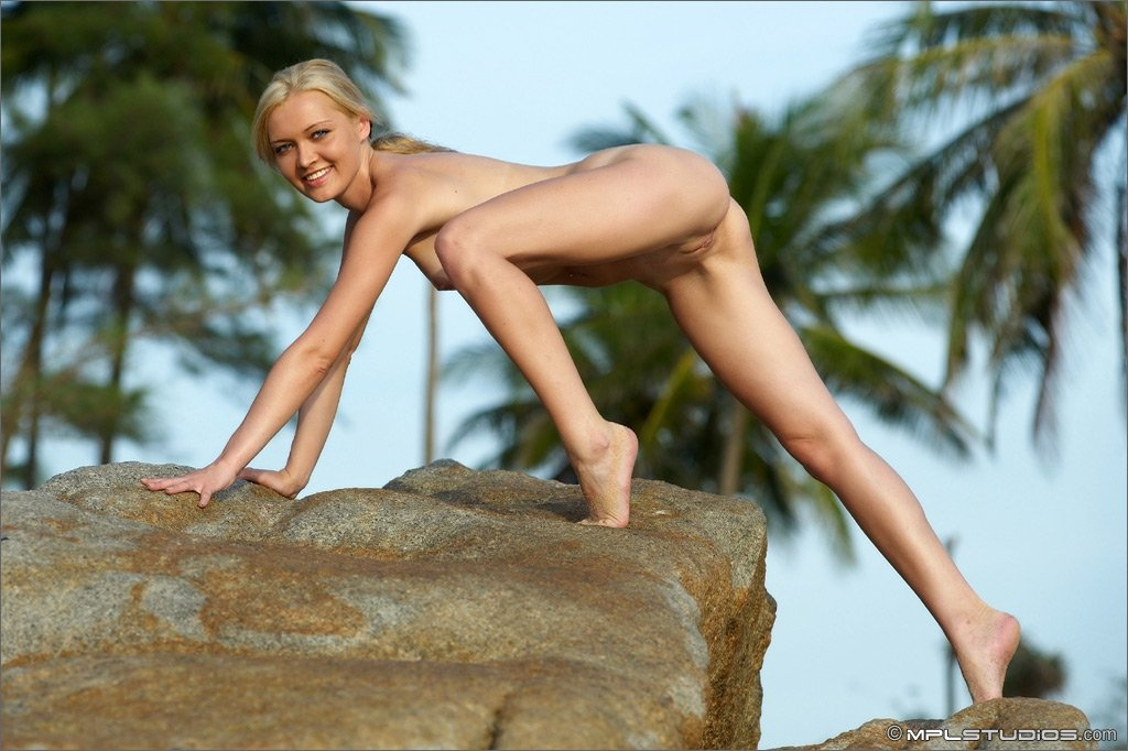 Wife likes to poses naked photos topless beach xxx