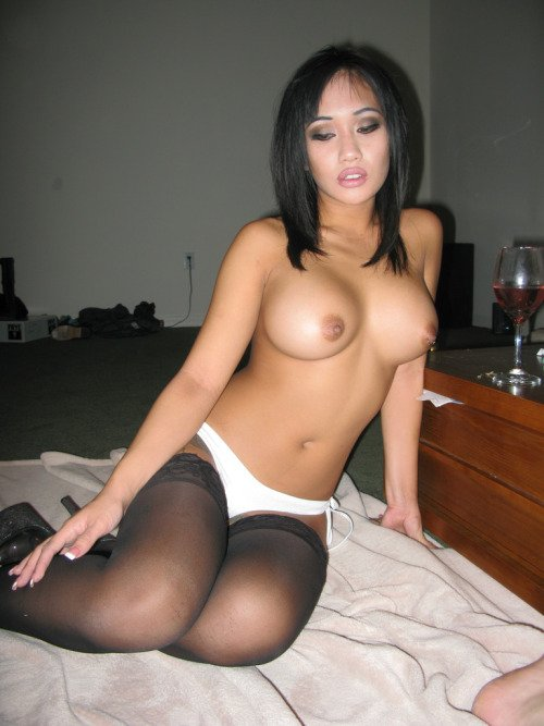 naked shaved mature women
