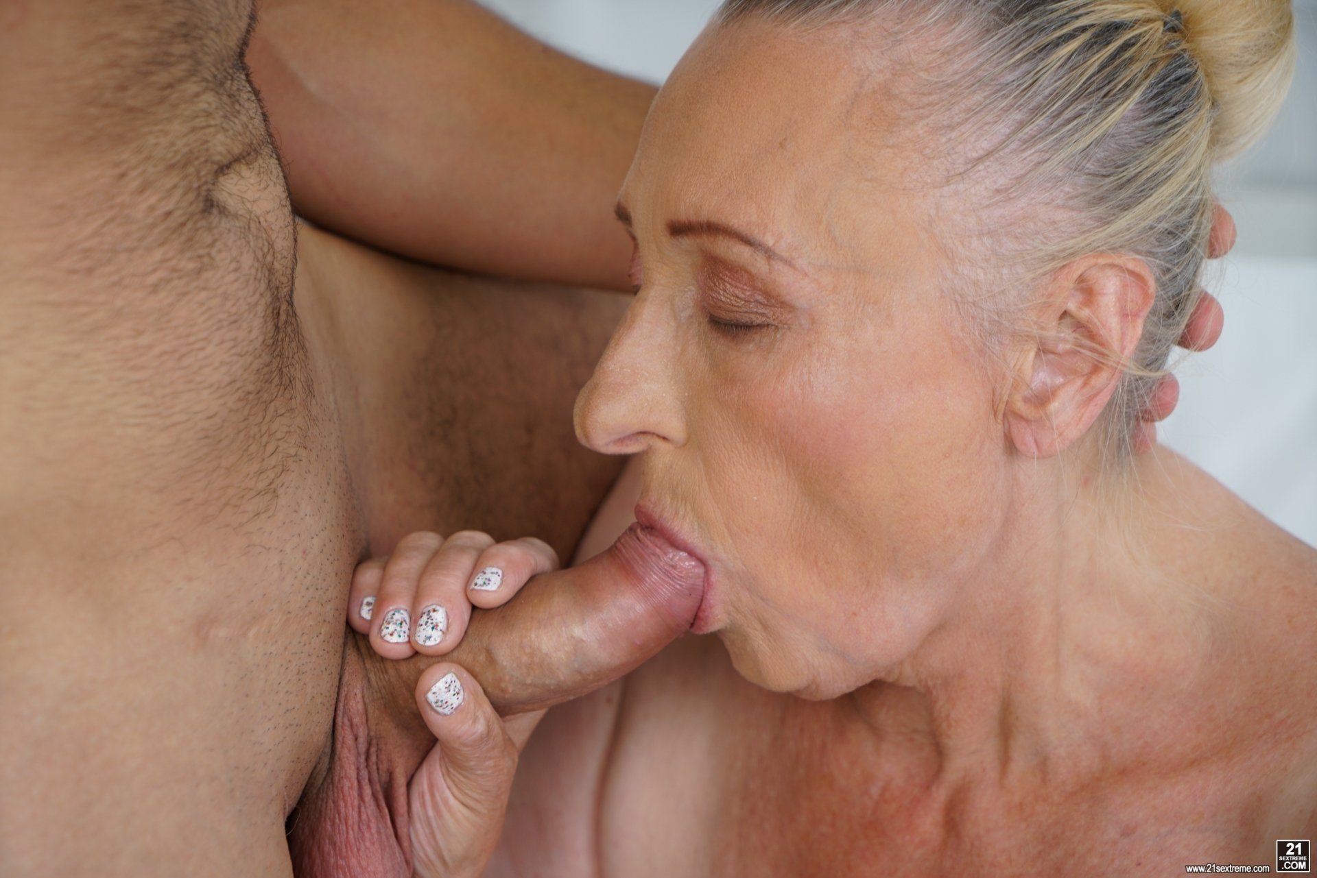 Free amateur mature fuck movies